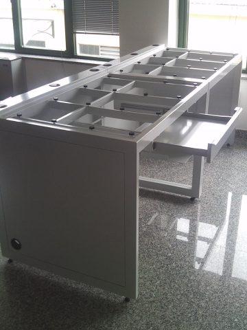 Banco per laboratorio con piano in marmo