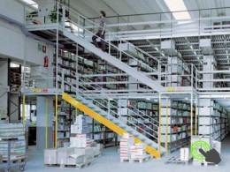 Arredi tecnici per laboratori e industrie